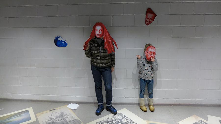 Художник Евгений Семёнов. Проект «Under Ice / Рыбак без головы». Софья и Пелагея Семёновы
